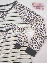 Load image into Gallery viewer, Mommy and Me Top Striped Raglan Child