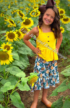 Load image into Gallery viewer, Yellow Rose Skirt Set