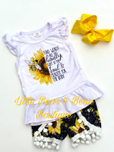 Load image into Gallery viewer, Honey Bee and Sunflower Pom Pom Set