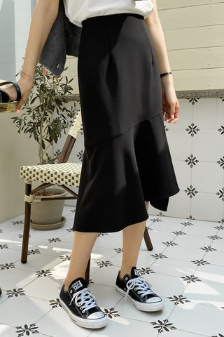 Black Asymmetrical Womens Ruffled Skirts Mermaid Slit Korean Fashion