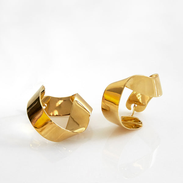 Gravity Earrings in gold by PD Paola