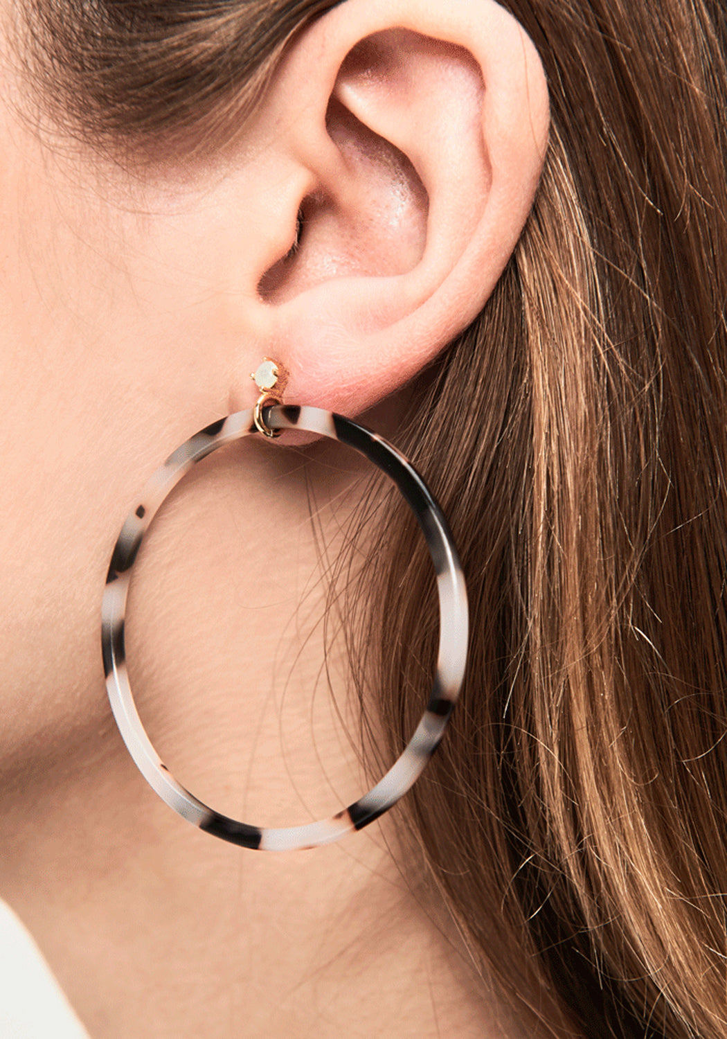 Caramel Tortoiseshell Hoop Earrings