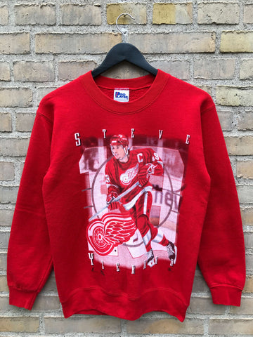 Vintage Steve Yzerman Sweatshirt, Medium