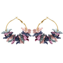 Load image into Gallery viewer, Flower Drop Earrings