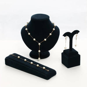 Ladies Luxurious Jewelleries Set