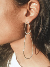 Load image into Gallery viewer, Paul asymmetric earrings