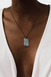 Sculpted textured necklace oxi