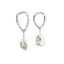Load image into Gallery viewer, Asymmetric drop pearl earrings