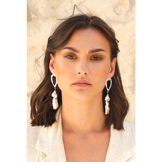 Double pearls drop earrings