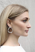 Load image into Gallery viewer, Melt drop earrings