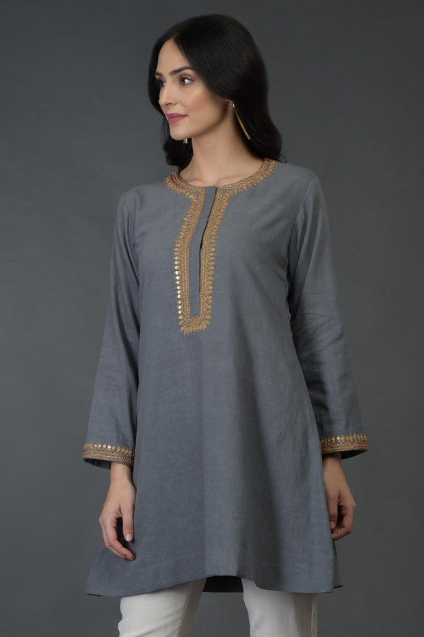 GREY SMOOTH TUNIC TOP