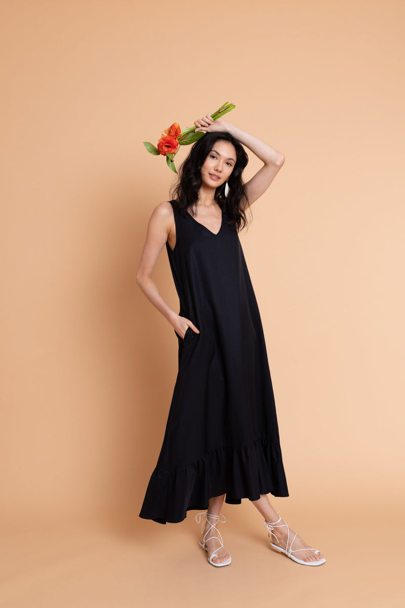 Pia Dress in Midnight Blue