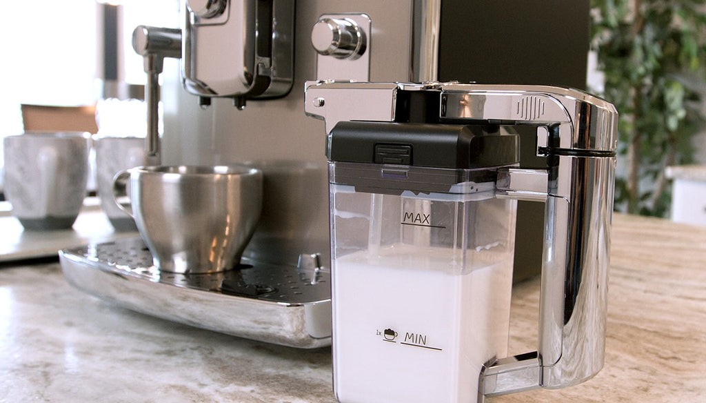 Accademia Milk Carafe Feature