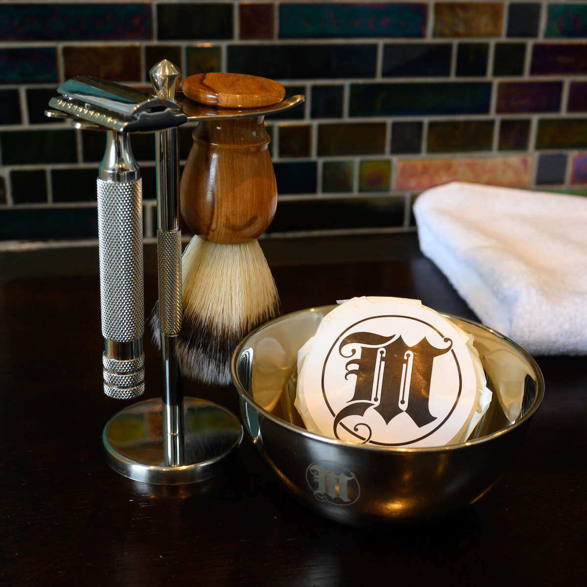 Traditional shaving kit non-disposable