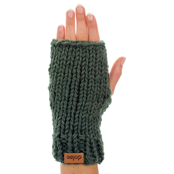 KNITTED HAND WARMER olive - richard-woox