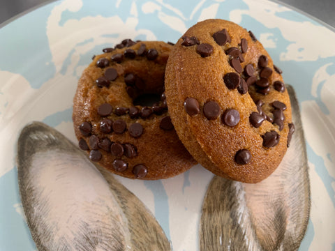Gluten Free & Vegan Pumpkin Chocolate Chip Donuts
