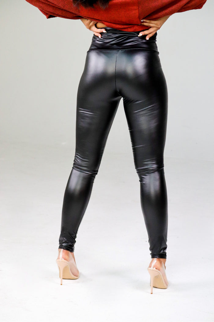 Matte Black Leggings Curvy