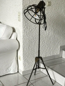 Stehlampe im Industrial Style