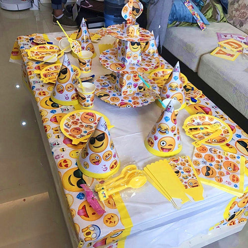41pcs Cute Emoji Disposable Tableware sets TableCloth cups Paper plate Napkin Hat Theme Kids Boy Birthday Party Decoration