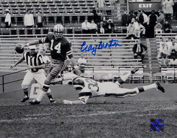 Craig Morton Signed Dallas Cowboys 8x10 Avoiding Tackle Photo- The Jersey Source Auth