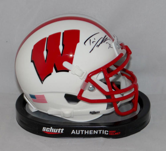 Travis Frederick Signed Wisconsin Badgers White Schutt Mini Helmet JSAW Auth BLK
