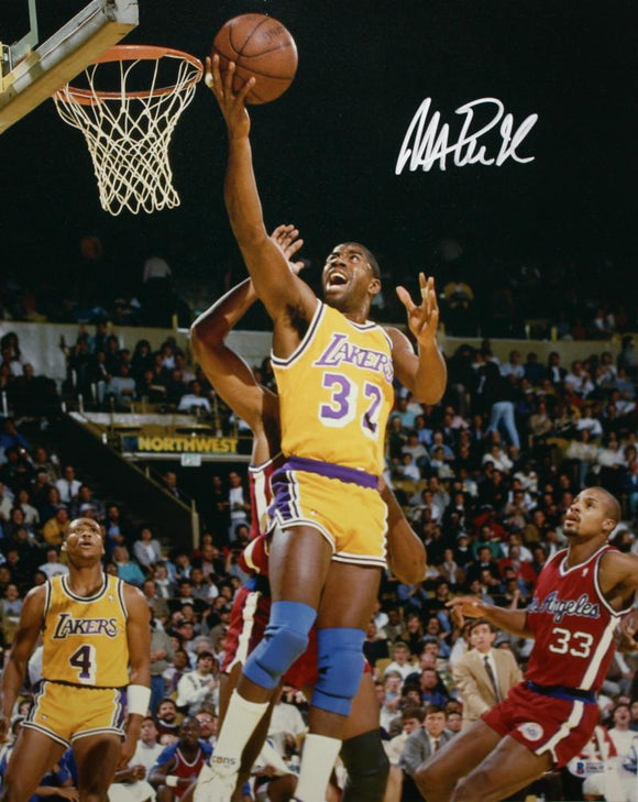 Magic Johnson Autographed Lakers 16x20 Against Clippers Photo- Beckett Authenticated