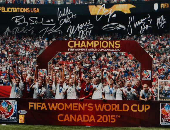 US Women's Soccer Team Signed 16x20 World Cup Trophy Photo- Beckett *Silver