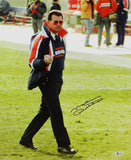 Mike Ditka Autographed Chicago Bears 16x20 Giving The Finger Photo- Beckett W Auth *Black