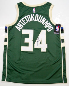 various colors 8cadf b9f57 Giannis Antetokounmpo Autographed Milwaukee Bucks Green Jersey- JSA W Auth  *4