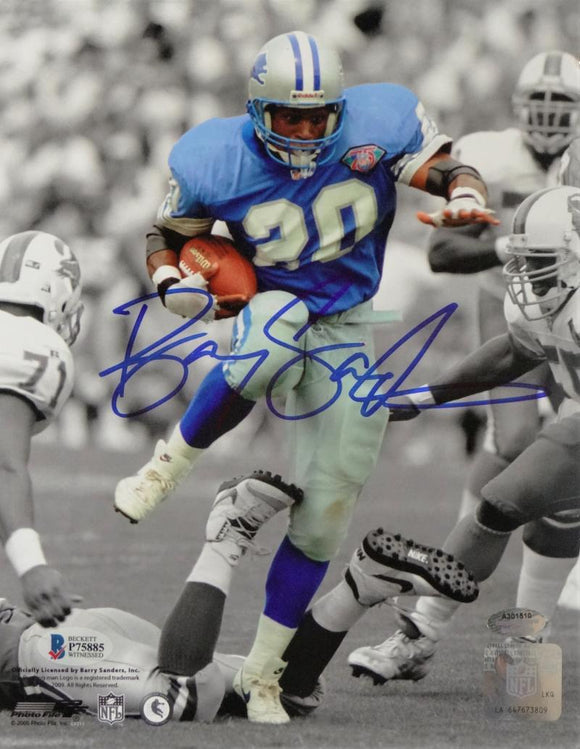 Barry Sanders Autographed Lions 8x10 B&W Color PF Photo- Beckett Auth *Blue