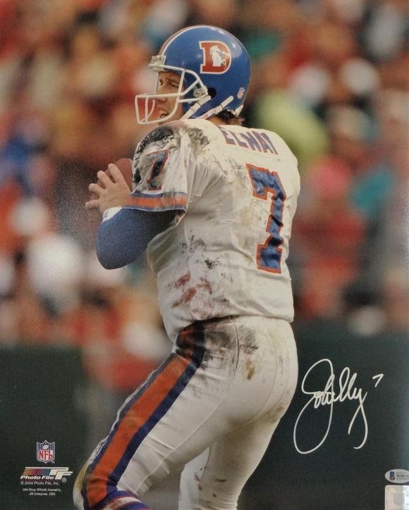 John Elway Autographed Denver Broncos 16x20 PF Photo White Jersey - Beckett Auth *White