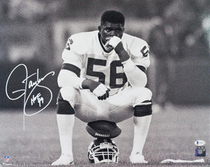 Lawrence Taylor Autographed New York Giants 16x20 FP B&W Sitting Photo w/ HOF - Beckett W Auth *White
