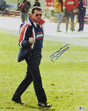Mike Ditka Autographed Chicago Bears 11x14 Giving the Finger Photo - Beckett Auth *Blue