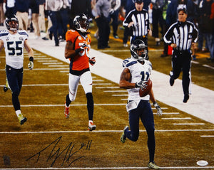 Percy Harvin Autographed Seahawks 16x20 Super Bowl Run Photo- JSA W Auth