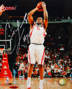 Carl Landry Autographed 8x10 Shooting Photo- TriStar Authenticated