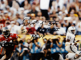 Dexter Jackson SB MVP Autographed 16x20 Running Against Raiders Photo- JSA Auth
