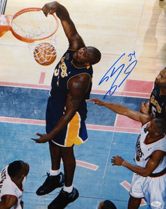 Shaquille O'Neal Autographed 16x20 LA Lakers Dunk Against 76ers Photo- JSA Auth