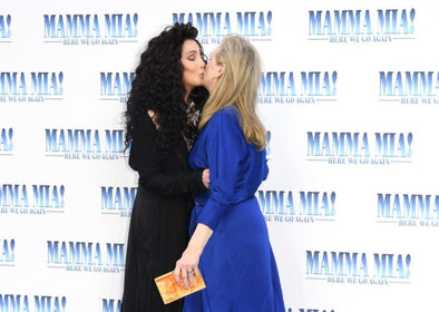 Cher and Meryl Streep's Mamma Mia Red Carpet Kiss Is Perfect