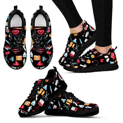 NURSE WOMEN SNEAKER black background