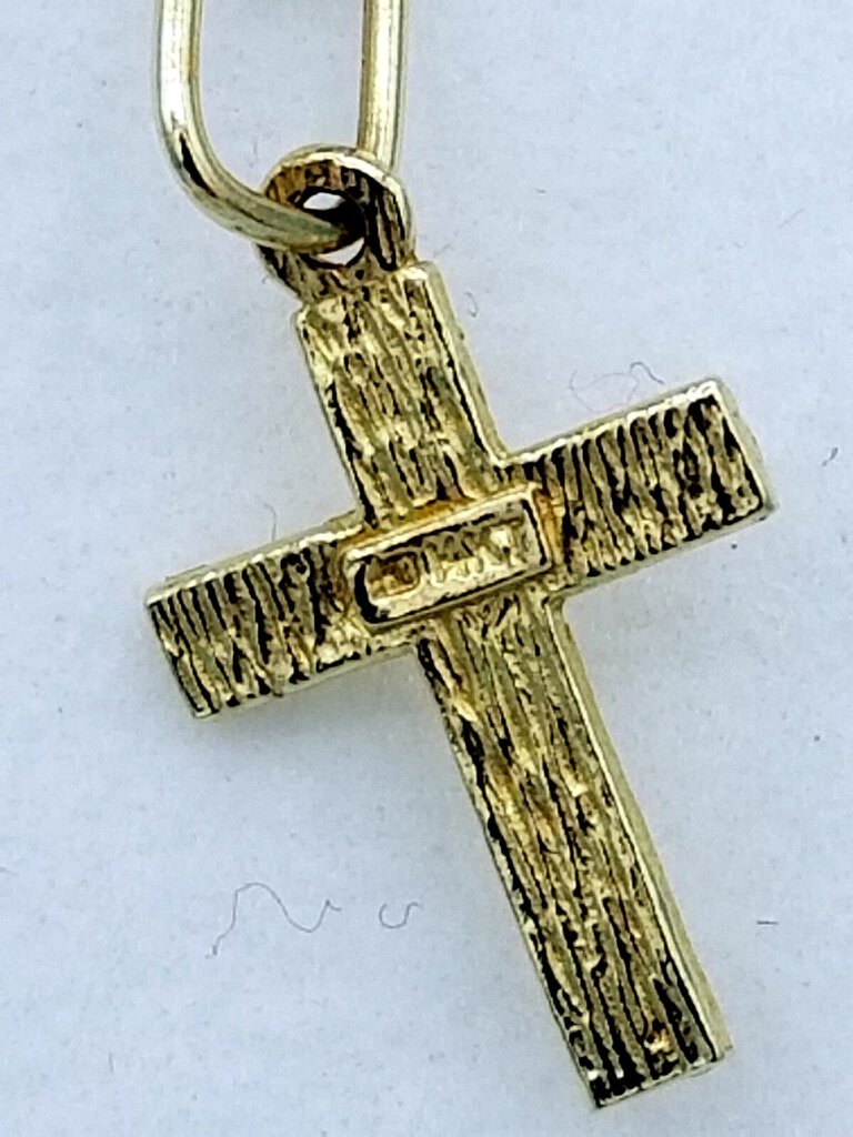Gold Cross on Gold Chain (MIC) (W552)