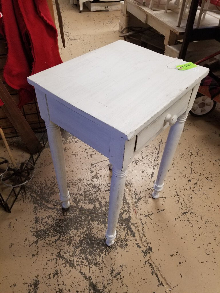 Painted Side Lamp Table (RB) W586)