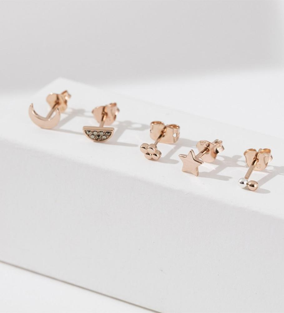 Buy Four dot Single Stud Earrings from KIRSTIN ASH at paya boutique