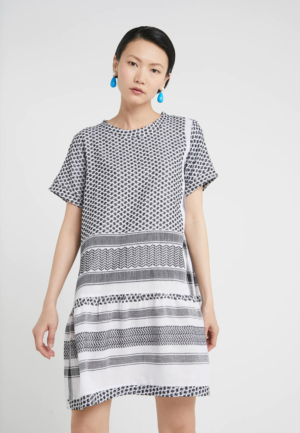 Buy Dress 2 O Short Sleeves from CECILIE COPENHAGEN at PAYA boutique