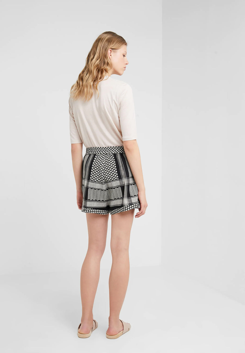CECILIE COPENHAGEN - Shorts online at PAYA boutique