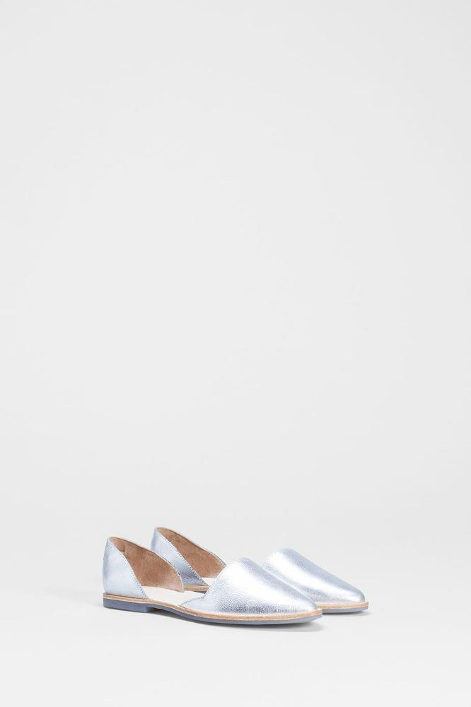 Buy Nord Flat from ELK The Label at paya boutique