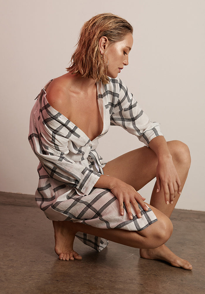 POL CLOTHING - Kari Shirt Dress - White/Black Check online at PAYA boutique