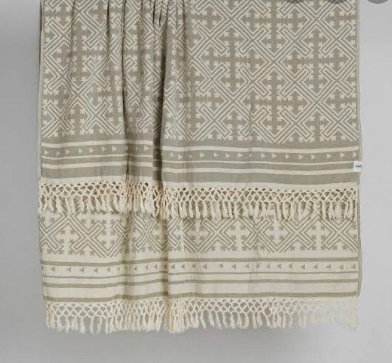 SAARDE - Square Jakar Towel - Olive & Natural online at PAYA boutique