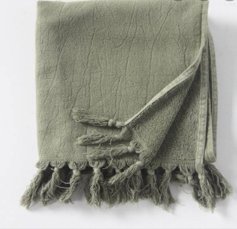 SAARDE - Towel Vintage Wash - Olive online at PAYA boutique