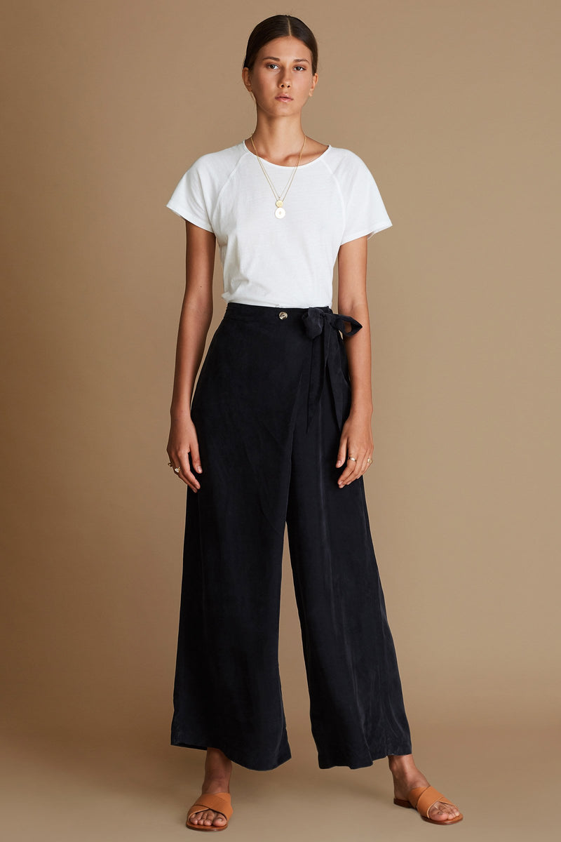 Sancia Farrah pants in onyx black online at PAYA Boutique - Free delivery to Australia