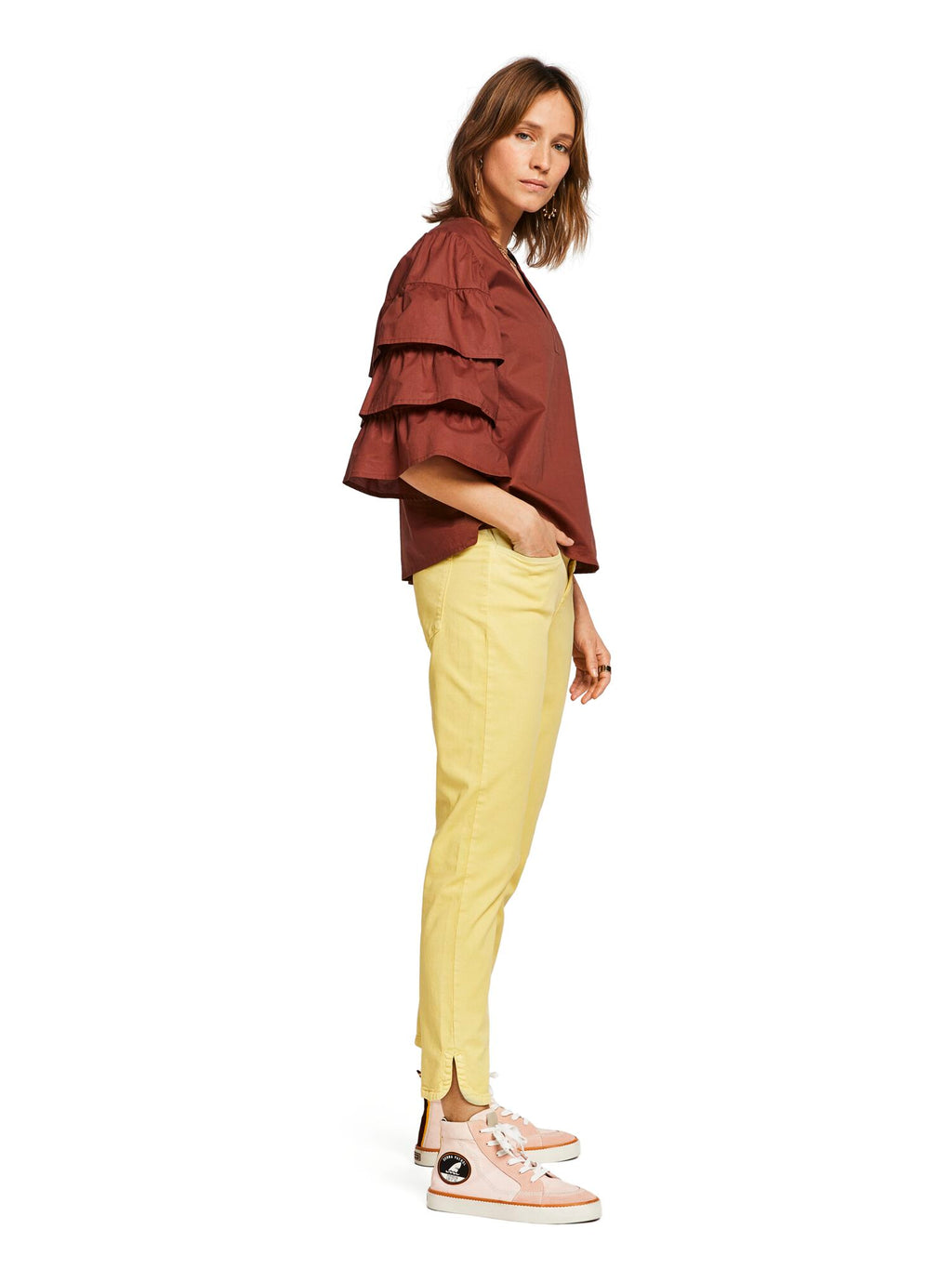 Buy Petit Ami Slim Boyfriend Pants from SCOTCH AND SODA at PAYA boutique